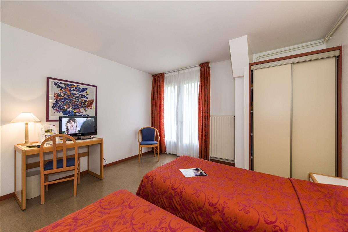 Chambre Double Standard - Chambres d\'hotel Saumur - Hotel ...